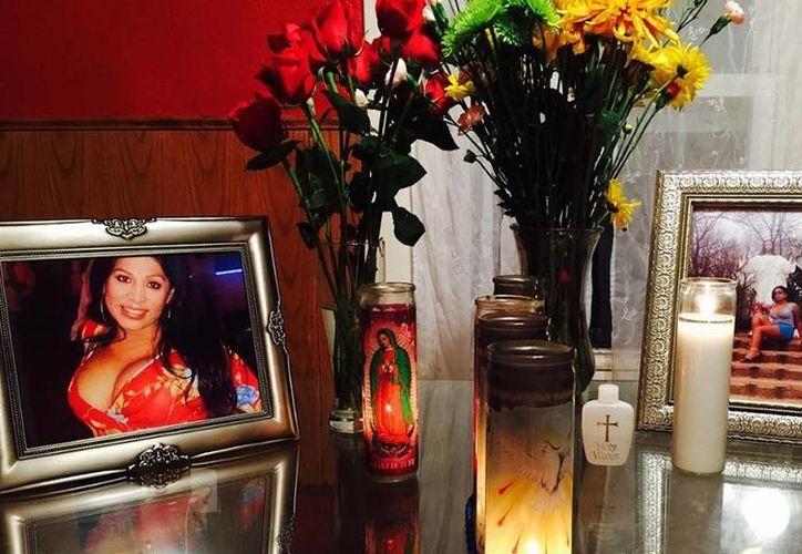 Imagen que muestra fotografías de Tamara Domínguez, quien fue asesinada el sábado 15 de agosto de 2015 en Kansas City, Missouri. (Randall Jensen)
