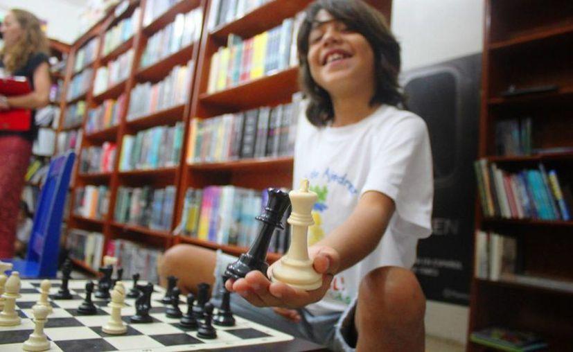 La librería 'Mundo' del centro comercial Las Américas de Playa del Carmen será la sede del torneo infantil de ajedrez. (Daniel Pacheco/SIPSE)