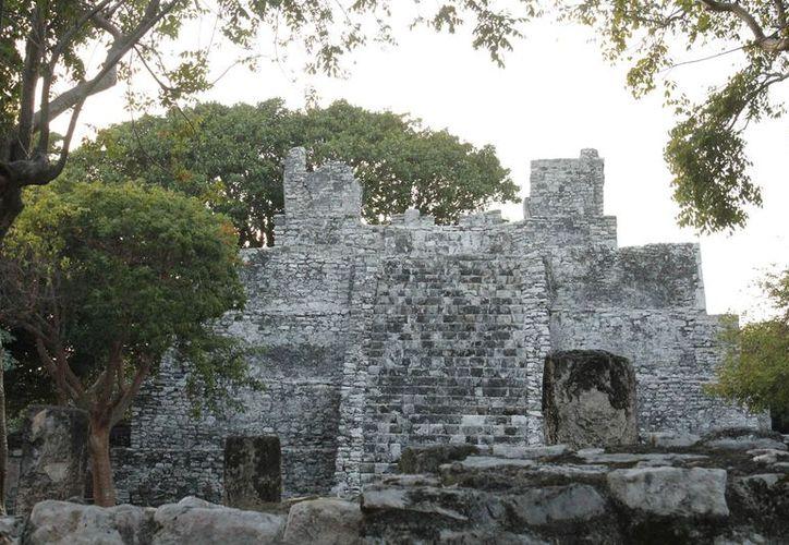 En El Rey se pueden encontrar alrededor de 47 estructuras religiosas. (Jesús Tijerina/SIPSE)
