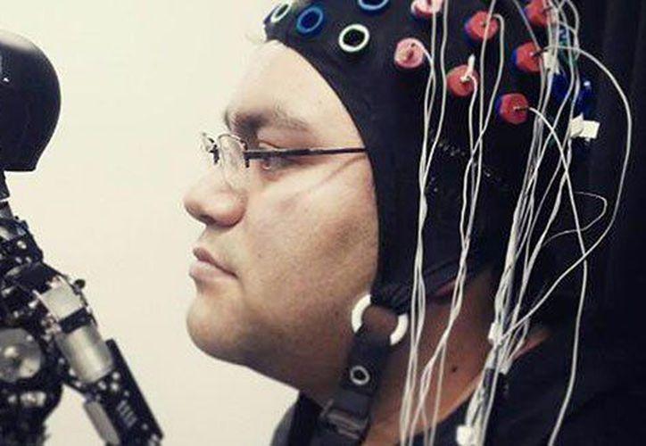 El invento del mexicano funciona con sensaciones del cerebro. (Foto: pulsoslp.com.mx)