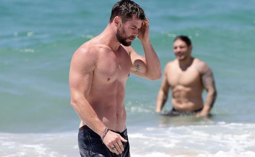 El actor disfrutó de un paseo y de un chapuzón en las playas de Gold Coast. (Foto: Quién.com)