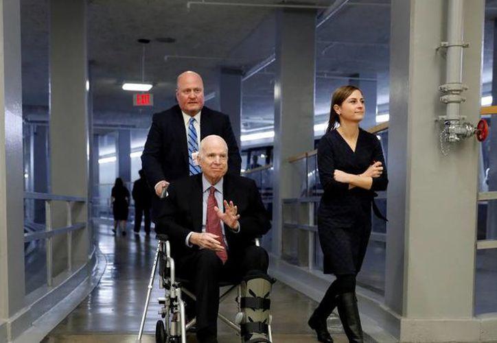 El senador republicano por Arizona John McCain perdió la batalla contra el cáncer; falleció hoy a los 81 años de edad. (Reuters)