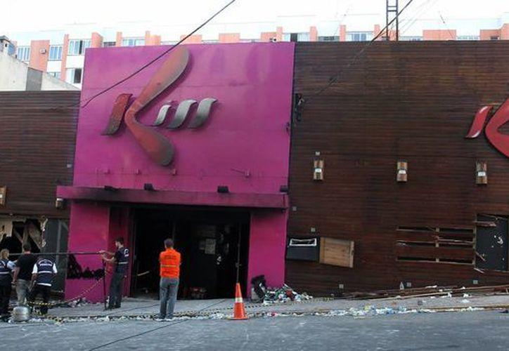 La sociedad brasileña, conmocionada por el incendio que mató a más de 200 personas. (Agencias)