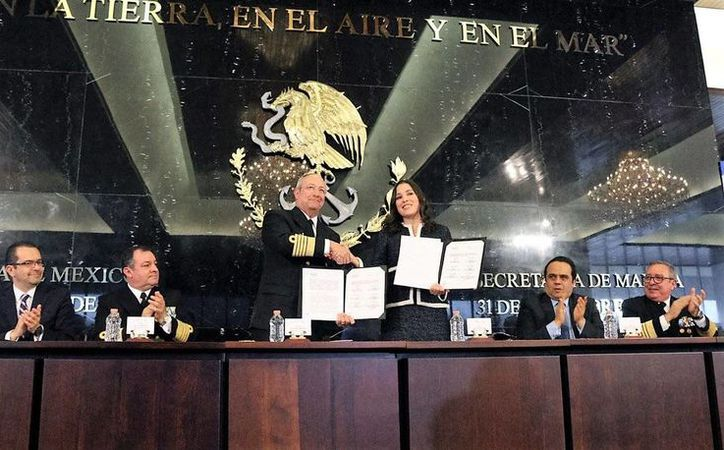 Este lunes, la Semar y el INAI firmaron un acuerdo de colaboración en pro de la transparencia del actuar de los marinos. (Twitter.com/@INAImexico)