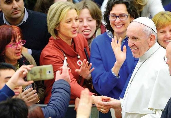 El Papa Francisco redujo de manera discreta las sanciones a algunos sacerdotes que habían cometido algunos actos de pederastia.(Archivo/AP)