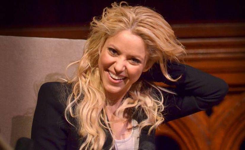 Por primera vez la cantante colombiana Shakira interpretará el tema de una telenovela, el cual se llama 'Mi verdad', y realizará a dueto con la banda mexicana Maná. Este tema se escuchará en la nueva telenovela de Juan Osorio que inicia en febrero. (Archivo AP)