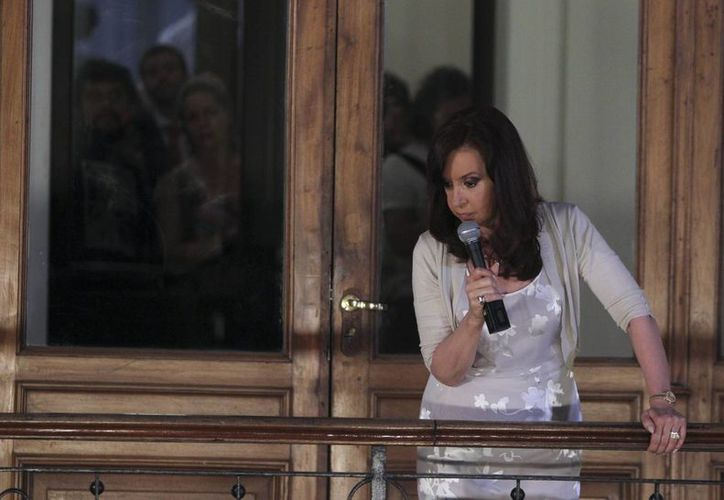 A poco más de un año de las elecciones presidenciales, un 40 por ciento de los argentinos dijo desconfiar en el mandato de Cristina Fernández. (EFE)