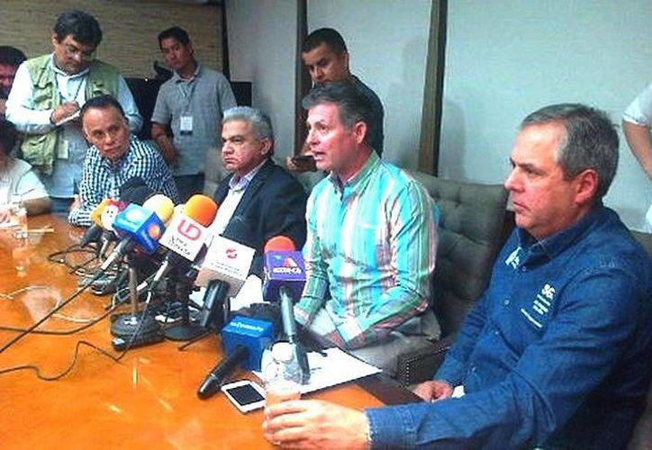 Durante la conferencia, las autoridades sinaloenses informaron que los primeros disparos en segunda la marcha a favor del 'Chapo' fueron hechos por una mujer que disparó. (Cynthia Valdez/Milenio)