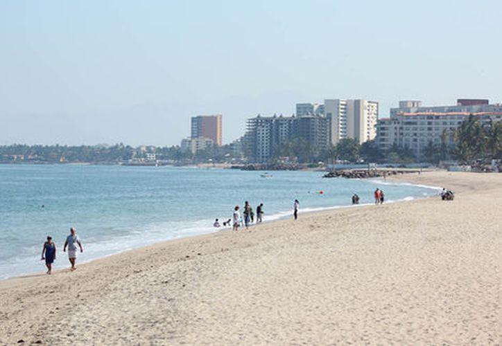 Playa Camarones en Puerto Vallarta (Foto: Guillermo Gómez Pastén)