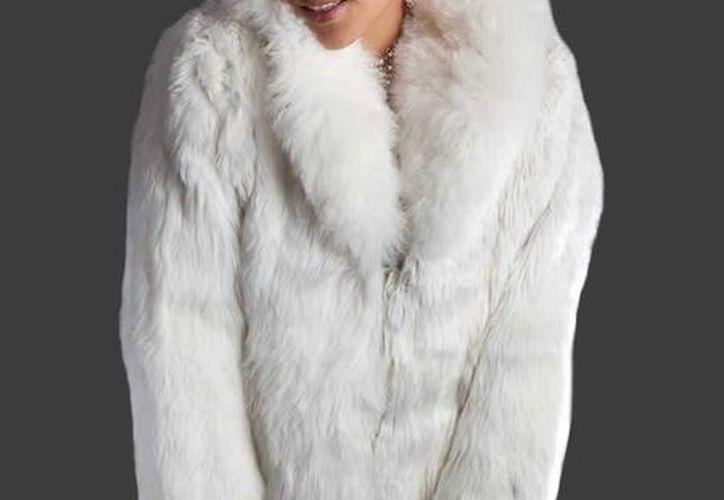 Los animalista de la LAV compraron distintas prendas y accesorios con pieles en tiendas de Milán. (cuscostores.com)