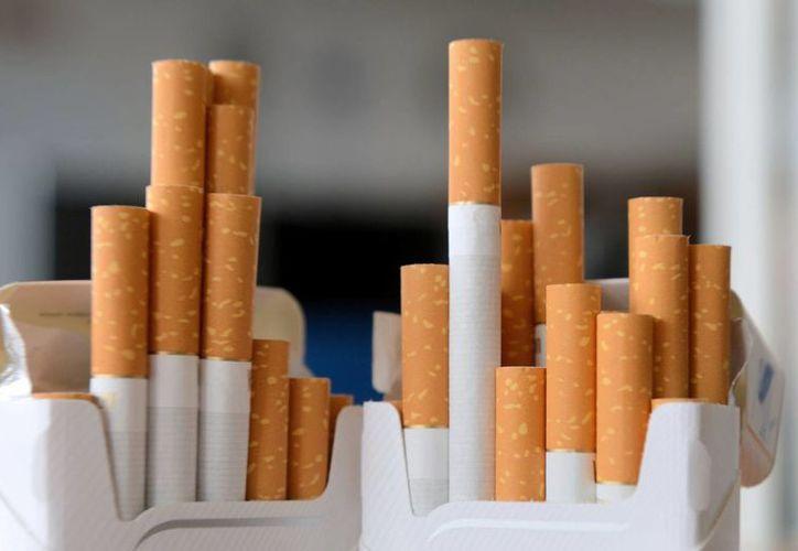 Los volúmenes de venta de cigarrillos de las grandes empresas tabacaleras han caído más rápido de lo normal. (adaderana.lk)