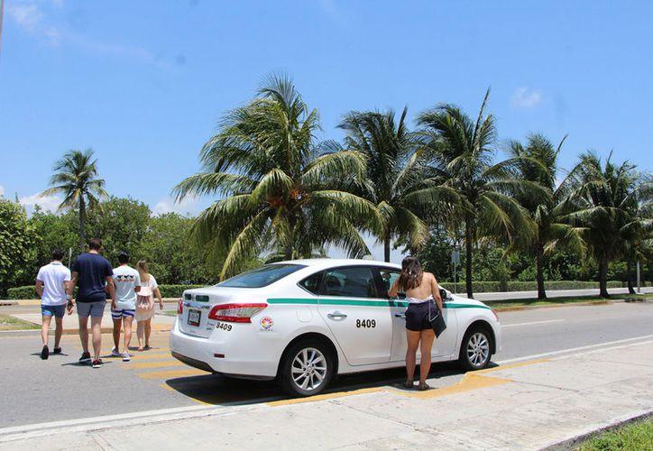 La posibilidad del aumento a la tarifa de taxis, está siendo evaluada por las autoridades. (Paola Chiomante)