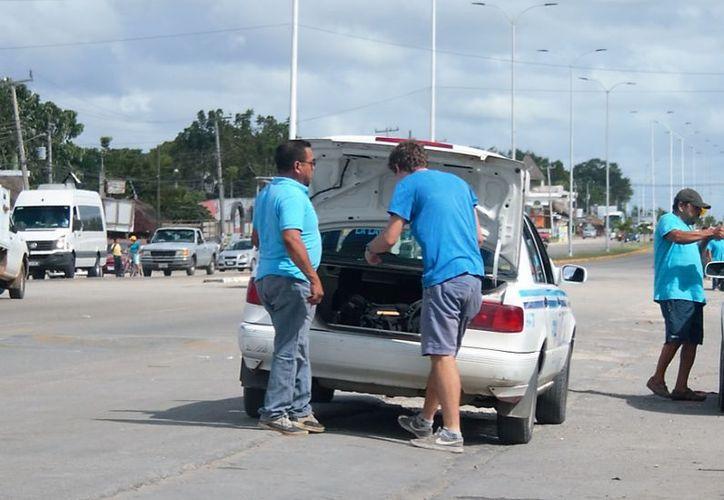El primer filtro estará a la altura del Cenote Azul y el otro en las oficinas de la Policía Municipal rumbo a Cancún. (Javier Ortiz/SIPSE)