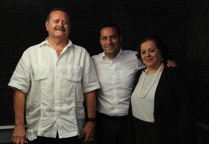 El alcalde Mauricio Vila estuvo como invitado en el programa radial Salvemos una vida, donde detalló en qué consiste la campaña 'Yo soy Mérida Blanca'. (Jorge Acosta/Milenio Novedades)