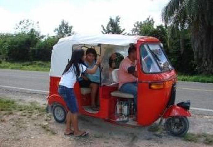 Los mototaxis son un medio de transporte habitual en Kanasín. (SIPSE)