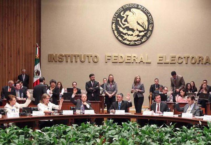 Sesión del consejo general del Instituto Federal Electoral. (Milenio)