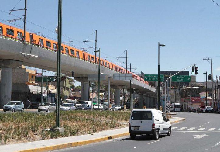 Los diputados aseguran que lo más importante es saber cuándo se reanudará el servicio de la línea 12 del Metro. (Archivo/Milenio)