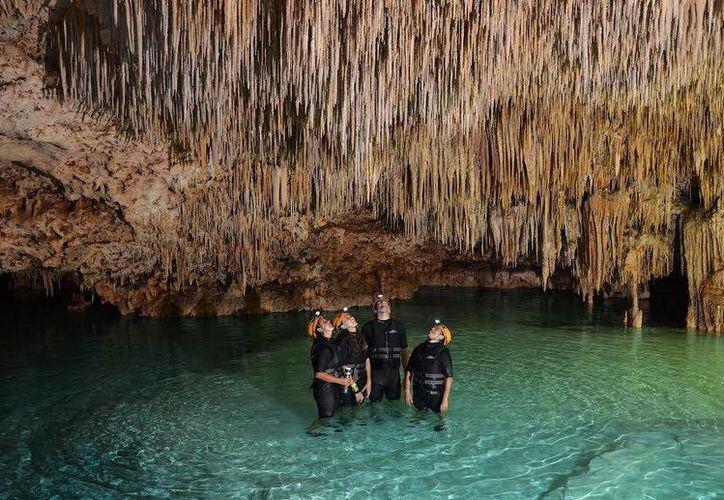 La Ruta de los Cenotes se interrelaciona el turismo y el cuidado del medio ambiente. (Agencia/Notimex)