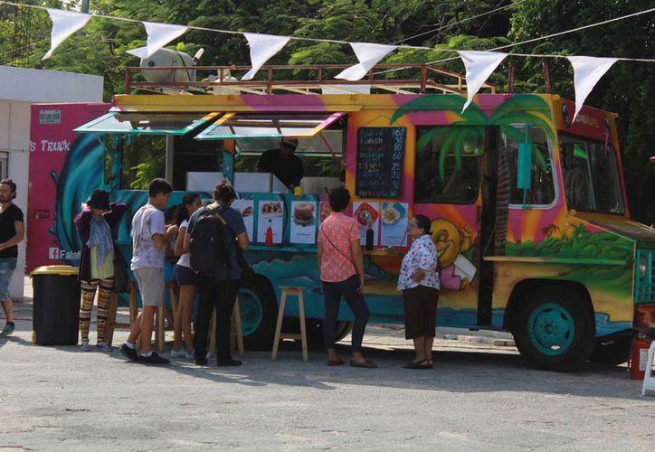 El grupo de los food truck tuvo auge en la ciudad en el 2015. (Luis Soto/SIPSE)