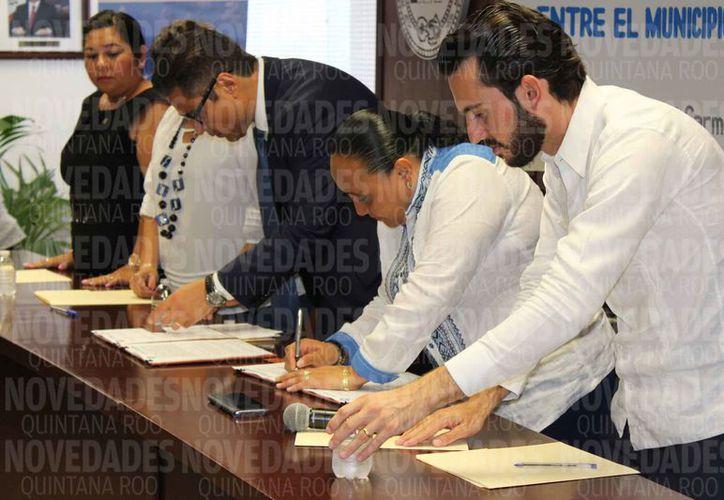 Durante la firma del convenio se aseguró que el servicio no tendrá costo para el Ayuntamiento. (Adrián Barreto/SIPSE)