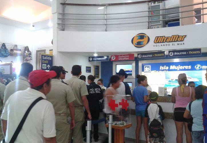 Luce abarrotada la terminal de la empresa Ultramar. (Tomás Álvarez/SIPSE)