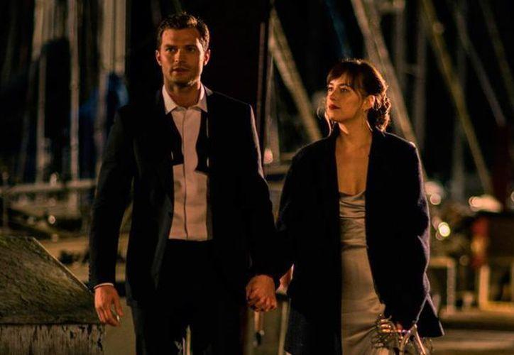 La secuela de '50 Sombras de Grey' es dirigida por James Foley, quien estuvo al frente de la serie política House of Cards. (cinepremiere.com.mx)