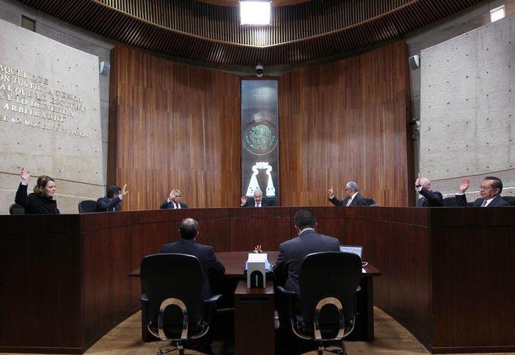Aunque se apruebe la pensión vitalicia, 'no cobraremos un peso', aseguran los magistrados. (diariojuridico.com.mx)