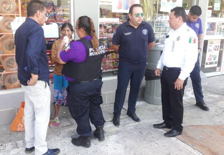 Personal del Geavig, Seguridad Pública, Secretaría de Salud y DIF Municipal, activaron el Código Verde para ayudar a la víctima. (Redacción)