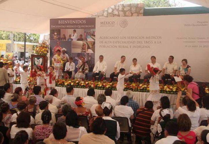 Durante la inauguración del evento se presentaron estampas regionales por parte del Centro Cultural. (Milenio Novedades)