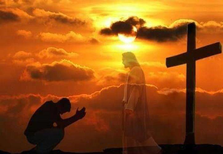 A la luz e inspiración de Jesucristo sabremos afrontar el sufrimiento, el dolor y la muerte. (restorationnations.com)