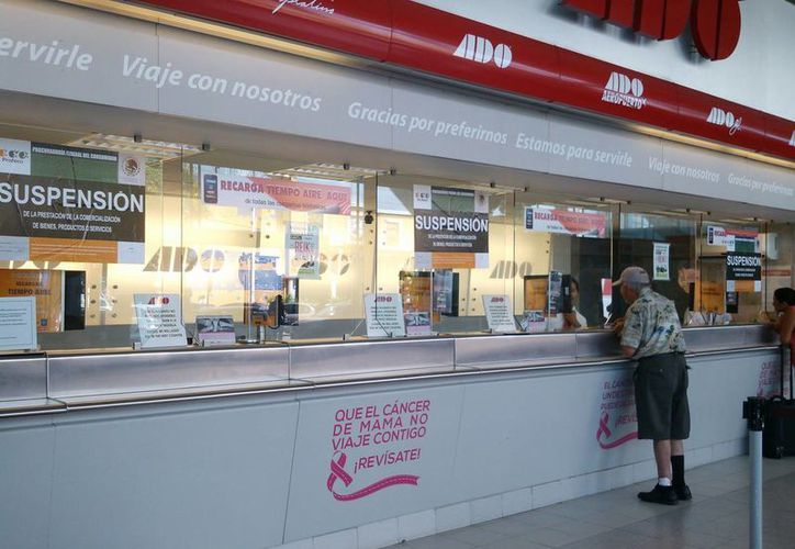 Los sellos de suspensión no permiten que la empresa tenga venta de boletos al público en ventanilla. (Israel Leal/SIPSE)