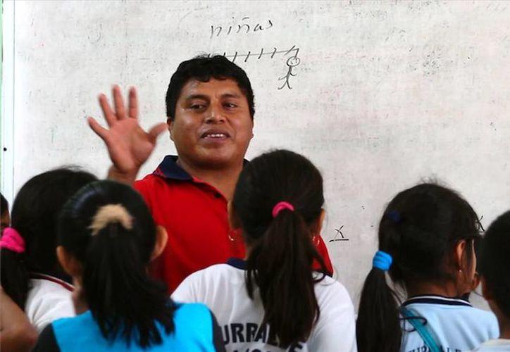 Recibirán estímulos 690 maestros con 30, 40 y 50 años de servicio. (Milenio Novedades)