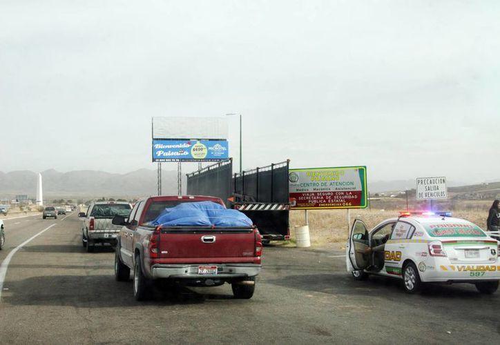 Piden obstruir severamente el paso de los cárteles a EU. En la imagen, el paso de la frontera de Ciudad Juárez con El Paso. (Archivo/Notimex)