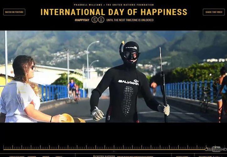 """Pharrell Williams escribió """"Happy"""" para la cinta """"Mi Villano Favorito 2"""", se convirtió este jueves en la banda sonora de la alegría. (24hoursofhappiness.com)"""