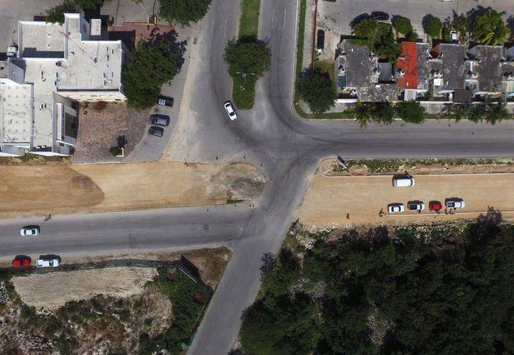 La Dirección de Obras trabaja en la pavimentación de la avenida Constituyentes hasta la Quinta avenida. (Foto: Redacción)