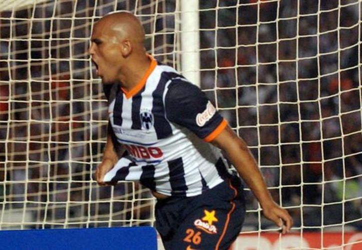 Humberto Suazo anotó el gol del triunfo de Rayados ante Xolos. (rayados.com)