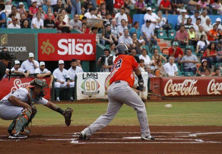 Los Tigres ganaron dos juegos en el parque Kukulcan Álamo. (Redacción/SIPSE)
