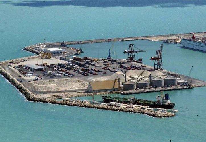 Instalaciones del Puerto de Altura, en Progreso. (José Acosta/SIPSE)