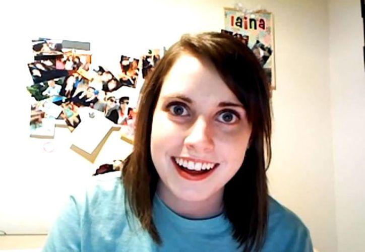 Laina Morris, 'la novia psicópata' da consejos en Youtube para que las chicas alejen a las pretendientes de sus novios. (Captura de pantalla)