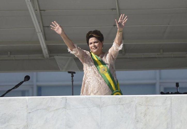 Dilma Roussef es vista por su antecesor, Lula da Silva, y la cúpula de su partido como un equilibrista en pasos inciertos. (Archivo/Notimex)