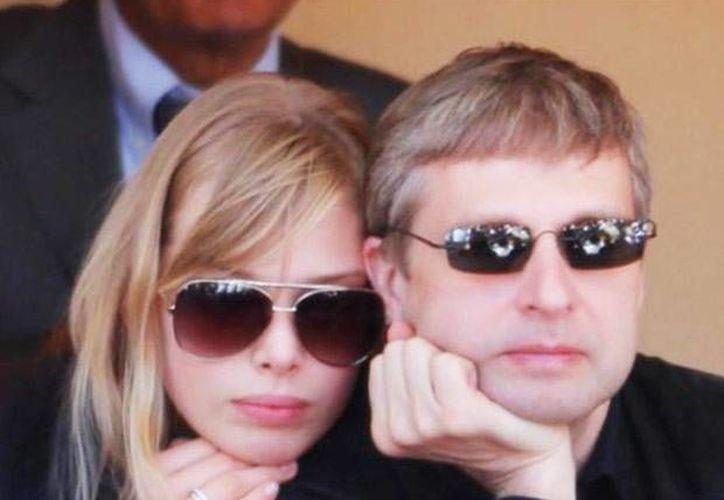 Elena Ribolovleva se quedará con la custodia de la hija que tuvo con  Dmitri Rybolóvlev. (diario26.com.ar)