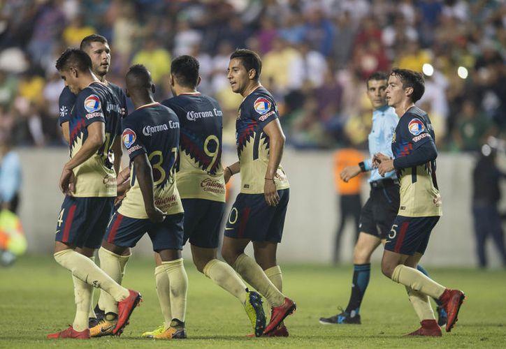 Jugadores del América sostendrán su primer amistoso, contra el Atlante. (Televisa)