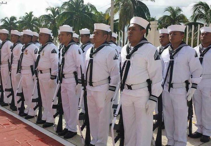 En esta celebración se realizó el convenio para formalizar la entrega de la aeropista de Isla Mujeres. (Redacción/SIPSE)