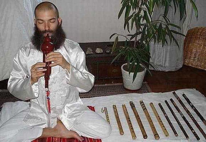 Castillo era un músico de 35 años que se creía la reencarnación de Dios. (emol.com)