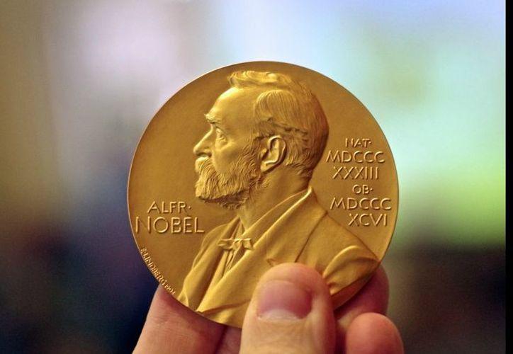 """La Academia Sueca estableció que """"el premio Nobel 2018 de Literatura se  anunciará al mismo tiempo que el galardonado de 2019"""". (francis.naukas.com)"""
