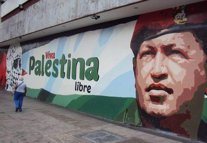 Hugo Chávez, cuya figura todavía inspira sentimientos intensos de amor y odio casi por igual, será recordado hoy en Venezuela. (Notimex/archivo)