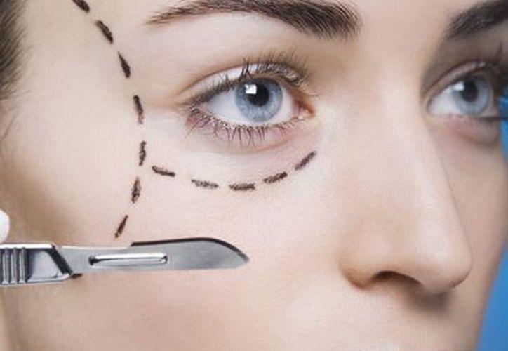 Los médicos estarán obligados a mostrar cómo quedarán las cicatrices. (Internet)