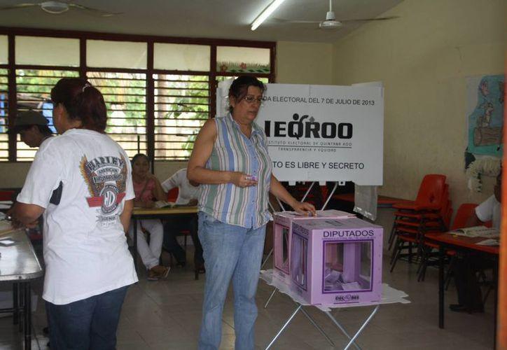 Se espera que a las 17 horas aumente el número de votantes. (Rossy López/SIPSE)