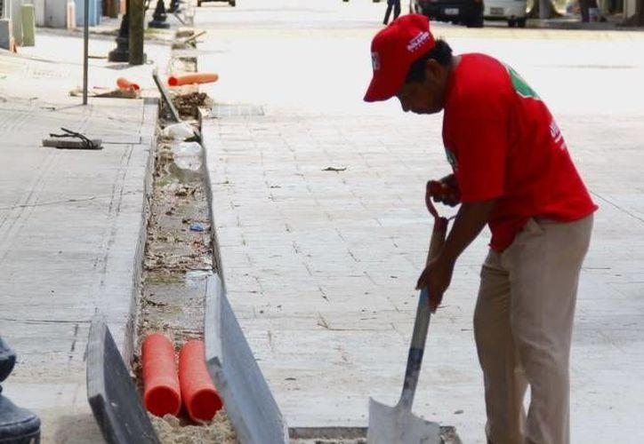 Solo en la calle 62 entre 65 y 67 hay más de 20 defectos por reparar. (SIPSE)
