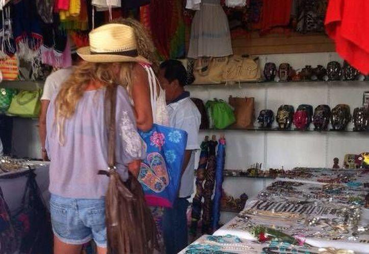 La jornada del miércoles para los prestadores de servicios, vendedores y artesanos de Progreso fue buena. (Óscar Pérez/SIPSE)